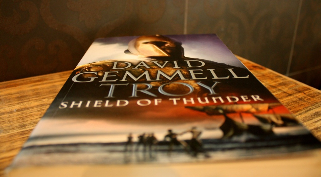 "Roman ""Shield of Thunder"" von David Gemmell"
